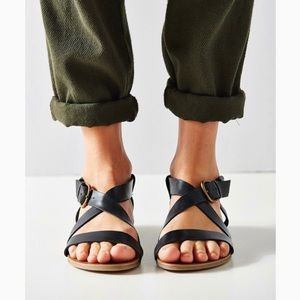 Urban Outfitters Black Madison Leather Sandals